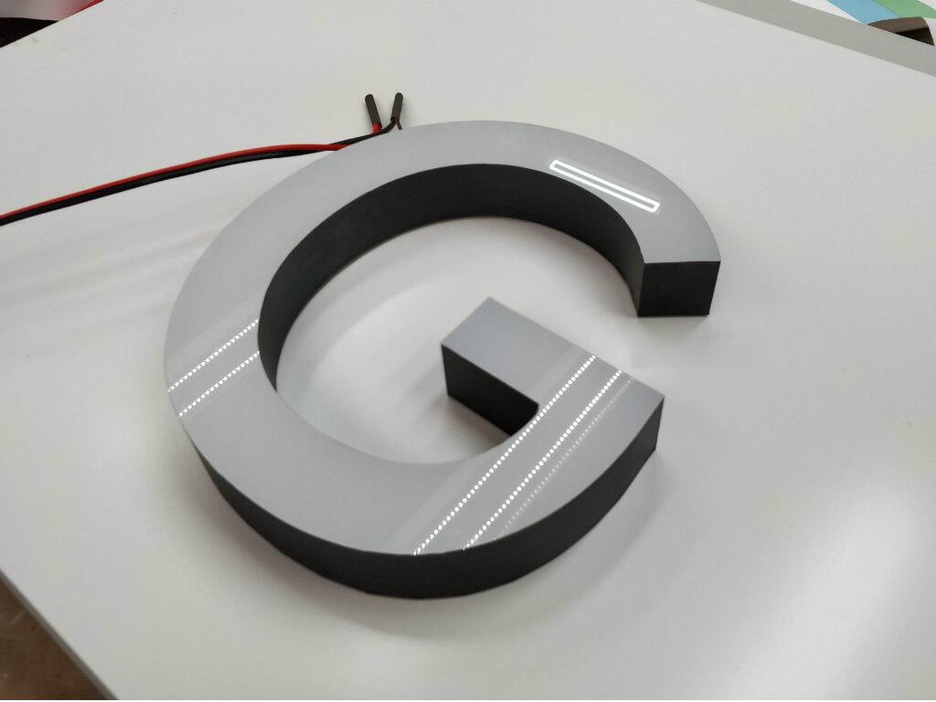 Буквы и логотипы из оргстекла и пластика